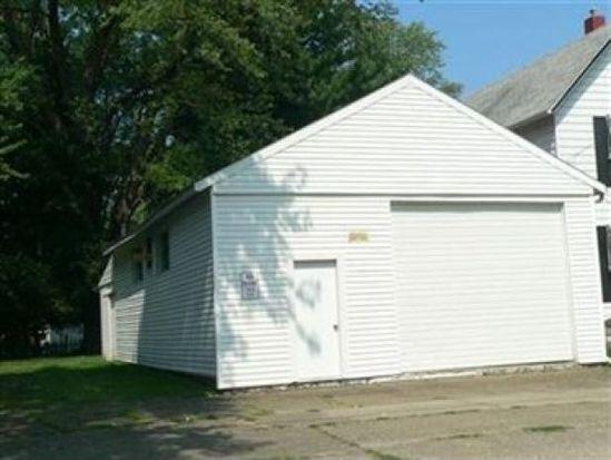 234 15th St, Conneaut, OH 44030