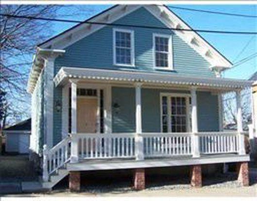 23 Sherman St, Newport, RI 02840