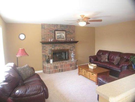3309 Summerhill Dr, Woodridge, IL 60517