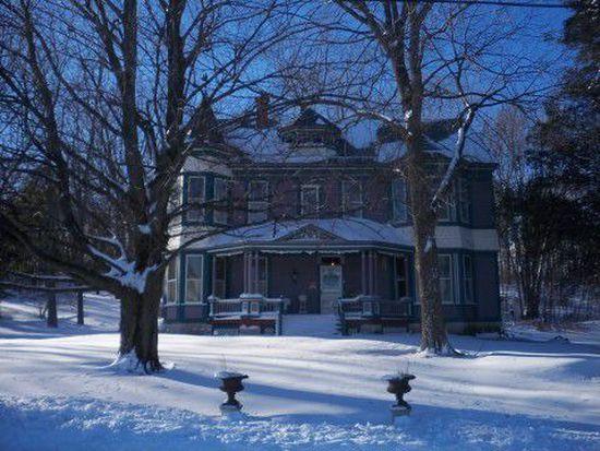 4 Powell Hill Rd, Ravena, NY 12143