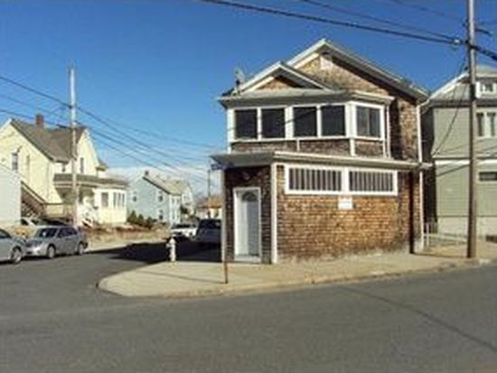 980 County St, Fall River, MA 02723