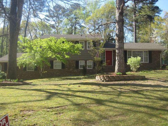 1701 Lyon Rd, Fayetteville, NC 28303