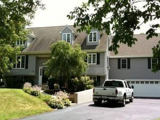 225 Oak Hill Ave, Seekonk, MA 02771