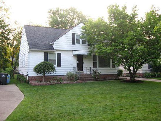 1752 Lyndhurst Rd, Mayfield Hts, OH 44124