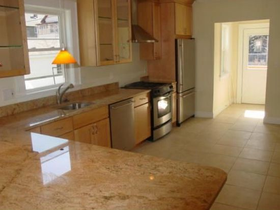 32 Copley St UNIT 1, Cambridge, MA 02138
