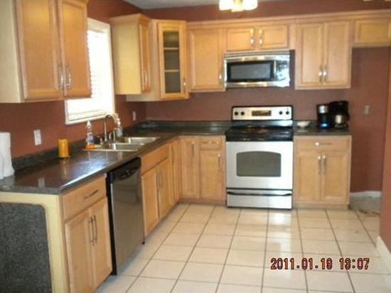 625 Oakwood Dr, Gretna, LA 70056