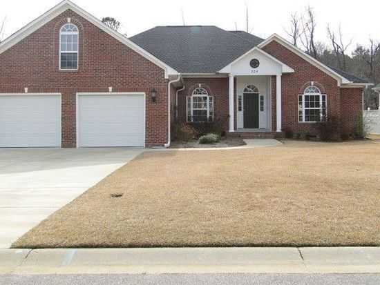 329 W Summerchase Dr, Fayetteville, NC 28311