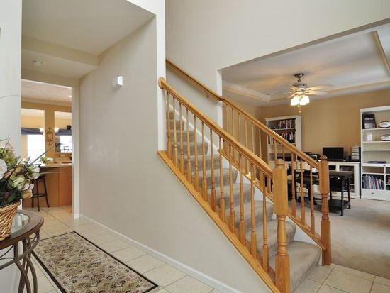 1643 Settlers Dr, Sewickley, PA 15143