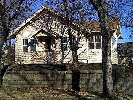1026 W 15th St, Sioux Falls, SD 57104