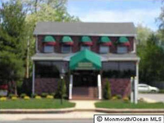 10 School Rd, Marlboro, NJ 07746