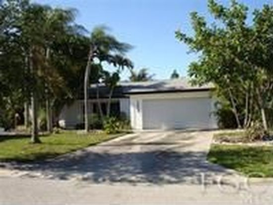 1353 Currier Cir, Fort Myers, FL 33919
