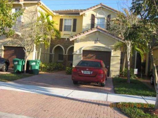 15413 SW 8th Ln, Miami, FL 33194