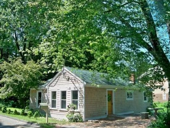 45 Place Ter, Greenfield, MA 01301