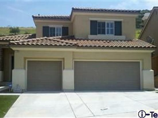 17720 Wren Dr, Canyon Country, CA 91387