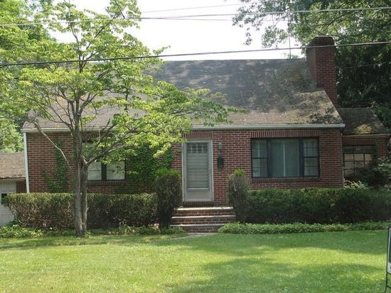 10 Lakeview Ave, Poughkeepsie, NY 12601