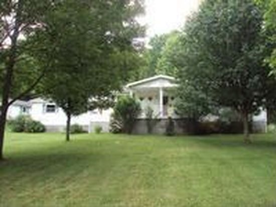 232 Mont Phillips Rd, Shady Spring, WV 25918