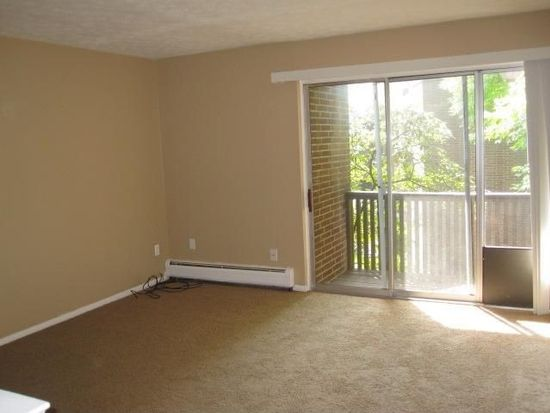 10740 Valley View Rd APT A23, Northfield, OH 44067