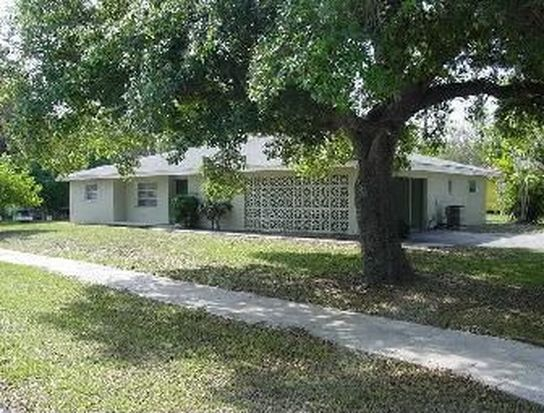 1452 Oakley Ave, Fort Myers, FL 33901