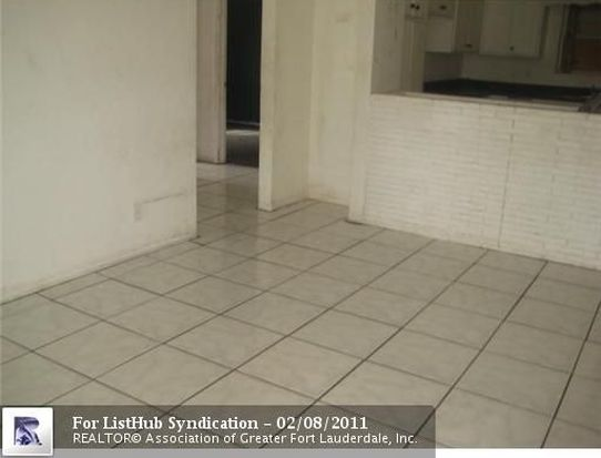 19 NW 28th Ter, Fort Lauderdale, FL 33311