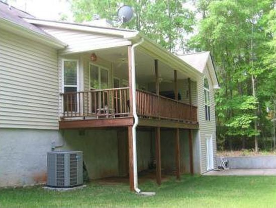 160 Oak Leaf Cir, Eatonton, GA 31024