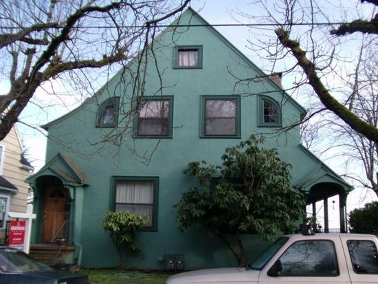 3207-3209 NW Vaughn St, Portland, OR 97210