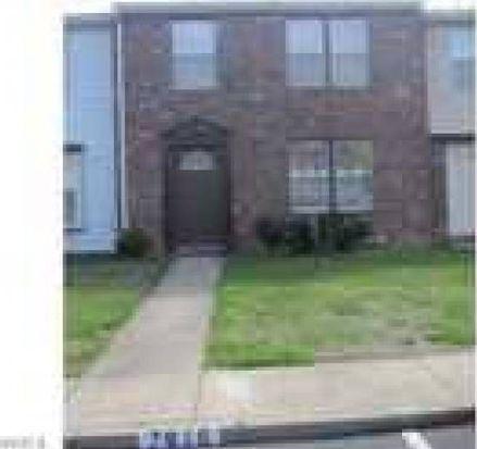 7912 Clovertree Ct, North Chesterfield, VA 23235