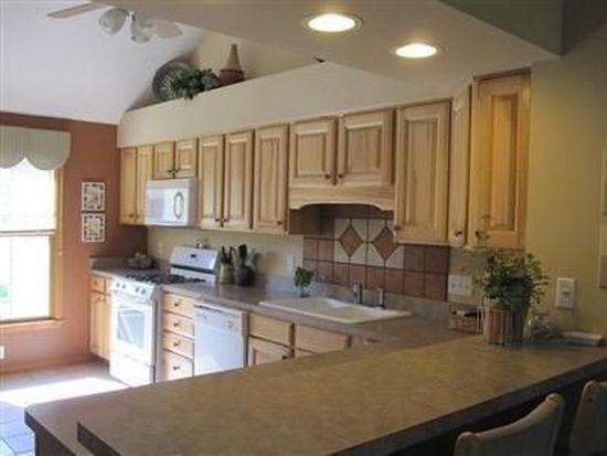 6987 Country View Dr, Valley City, OH 44280