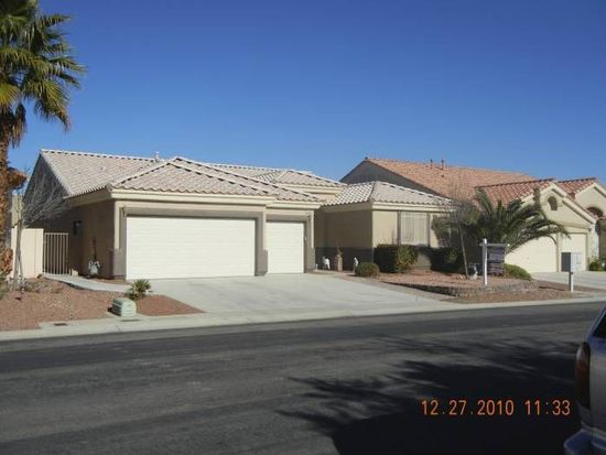 9240 Desert Village Ave, Las Vegas, NV 89147
