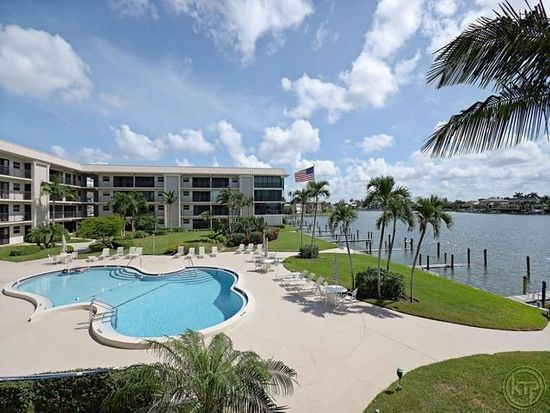 3200 Gulf Shore Blvd N APT 217, Naples, FL 34103