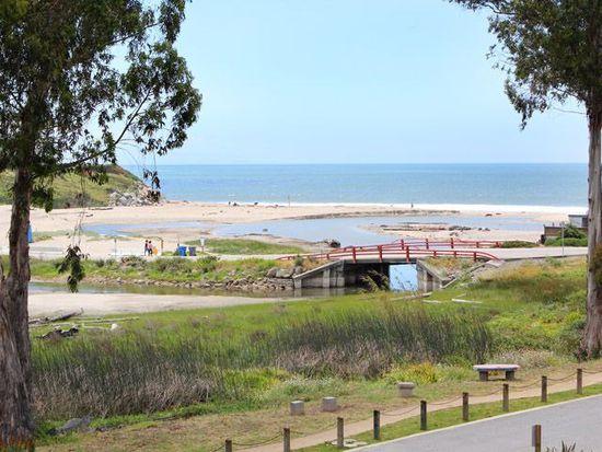 495 Coastview Dr, Santa Cruz, CA 95062