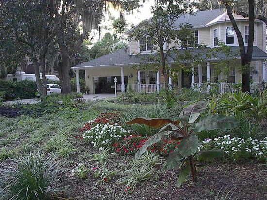11923 Riverhills Dr, Temple Terrace, FL 33617