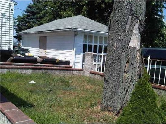 34 Daniels St, Pawtucket, RI 02860