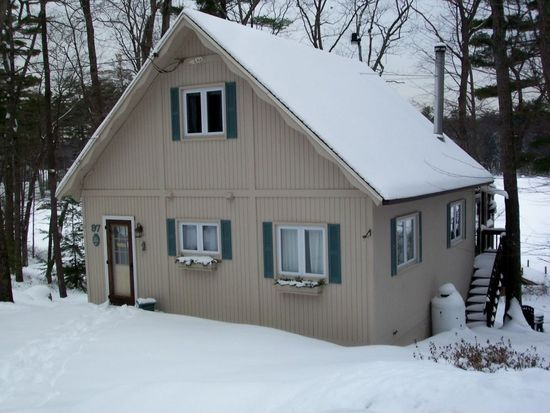 97 Shore Dr, Nottingham, NH 03290