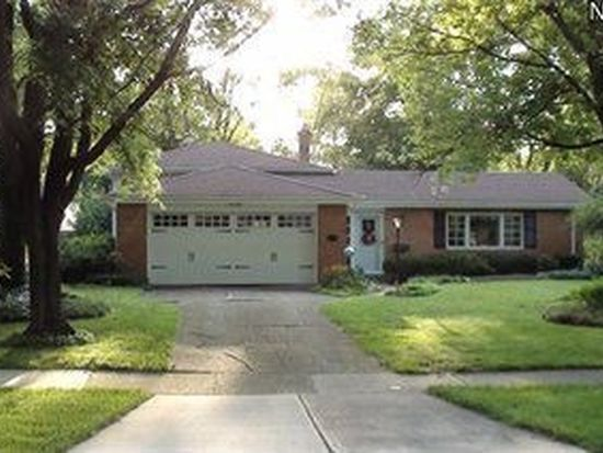 5940 Forest Ridge Dr, North Olmsted, OH 44070