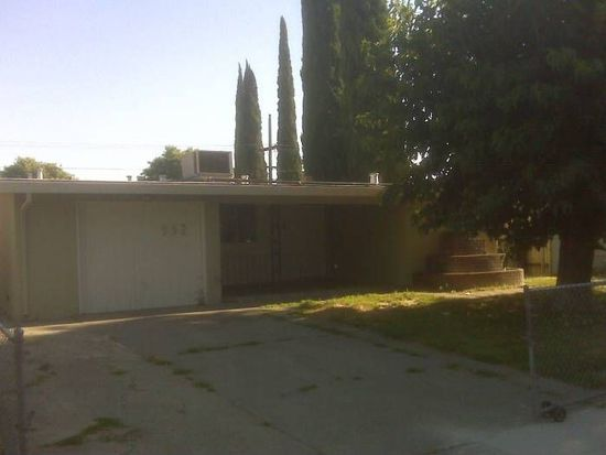 952 Sharian St, West Sacramento, CA 95605