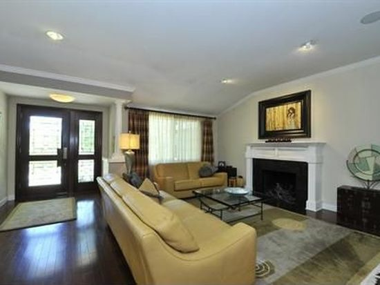 14490 Oak Pl, Saratoga, CA 95070