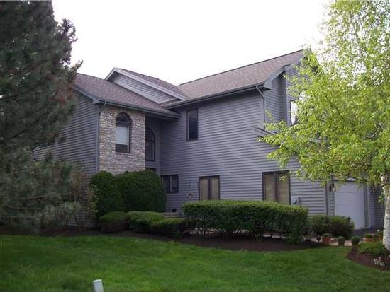 32 Woodcliff Ter, Fairport, NY 14450