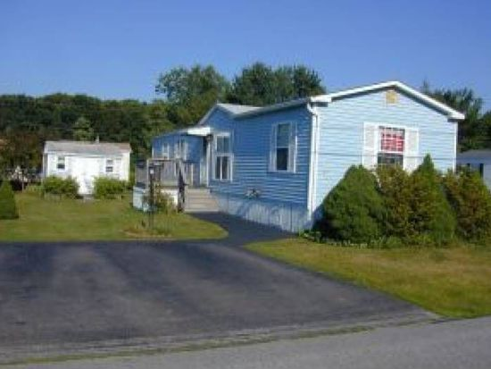 57 Silver St, Seabrook, NH 03874