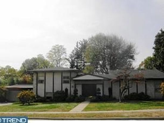 30 Overhill Rd, Reading, PA 19609