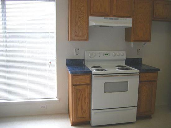 10621 Copperwood Ln, Fort Worth, TX 76140