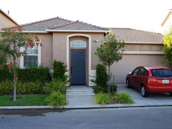 5613 N Citrus Ln, Fresno, CA 93711