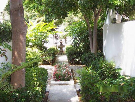 2414 N Beachwood Dr, Hollywood, CA 90068