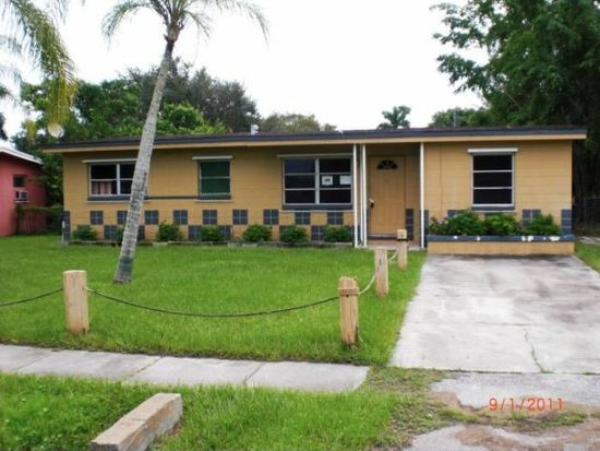 36 Roanoke Dr, Fort Myers, FL 33905
