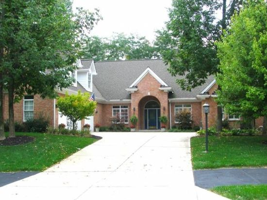 376 Yankee Trace Dr, Centerville, OH 45458