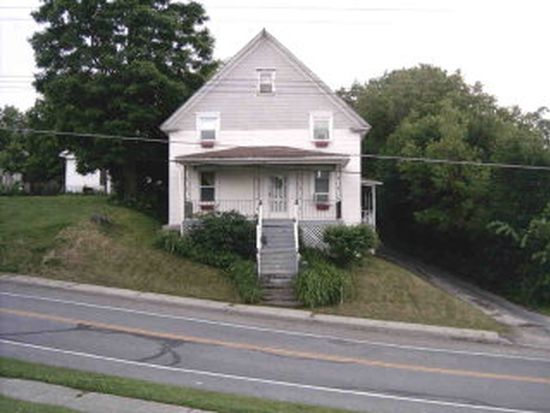 77 Church St, Champlain, NY 12919