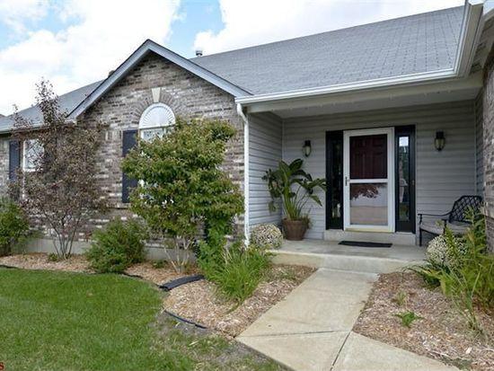 1054 Reddington Timbers Dr, Saint Charles, MO 63304