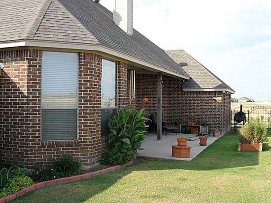 4719 Bucking Bronc Dr, Benbrook, TX 76126