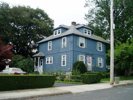 63 Woodlawn St, Fall River, MA 02720
