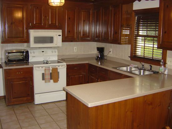 11530 Old Lewiston Rd, North Chesterfield, VA 23236