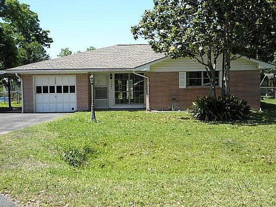324 W Cypress, Winnie, TX 77665